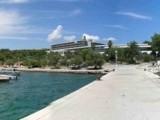 Zdjęcie z rejsu żeglarskiego Stari Grad: Baza nurkowa Nautica