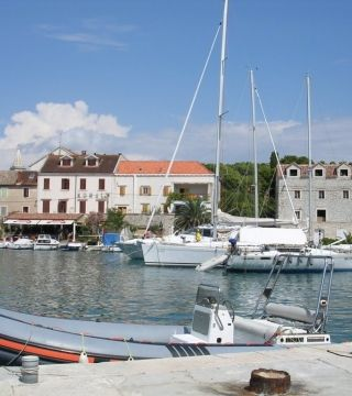 Zdjęcie z rejsu żeglarskiego Zlarin: Restauracja Konoba Prslika